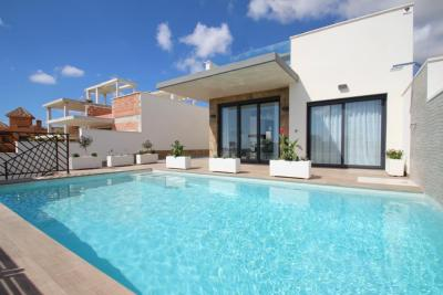 Villa for sale in San Miguel de Salinas