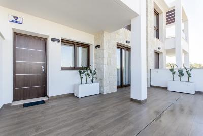 Modern new build 2 or 3 bedroom ground floor bungalow wi...