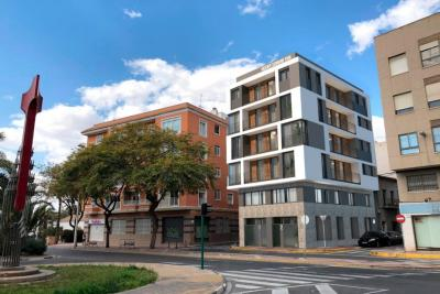 Modern new build 1 bedroom apartment in the heart of Elc...