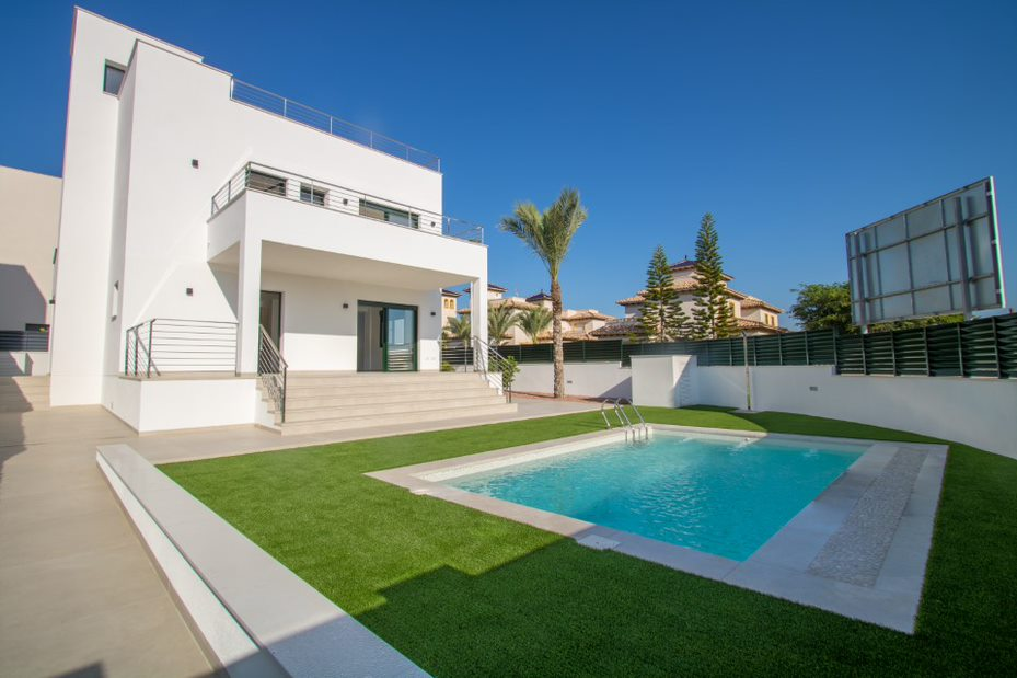 Luxury 4 bedroom new build semi detached villas with private swimming pool in El Pinet