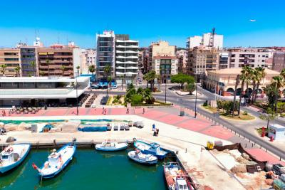 Stunning 'New Build', key ready 3 bedroom apartment over...