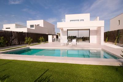 Fantastic 'New Build' 4 bedroom detached villa with priv...