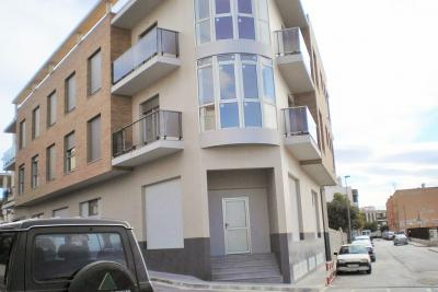 Elegant 'Key Ready' 3 bedroom apartment with communal po...