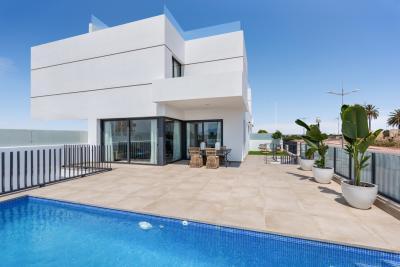 Attractive 'New Build' modern 3 bedroom quad villas with...