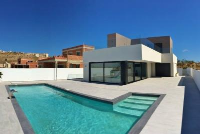 Incredible 'New Build' 3 bedroom detached villa on 500m ...