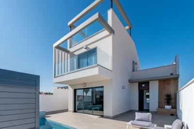 Superb 'New Build' 3/4 bedroom detached villas with priv...